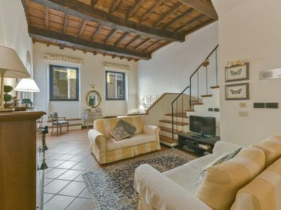 Photo for Spacious Lamberti apartment in Duomo with WiFi & lift.