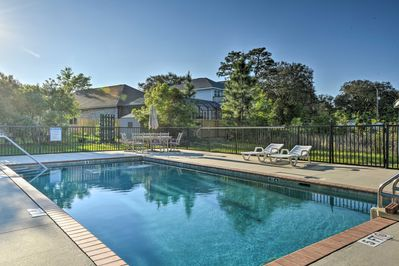Enjoy access to this sparkling community pool!