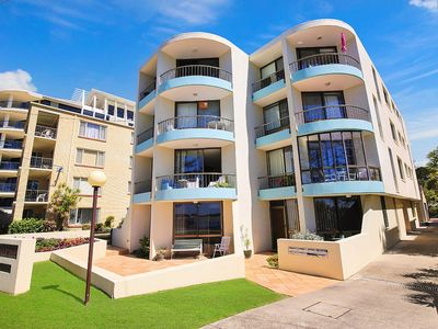 Photo for Eastbourne U4, 80 Esplanade, Golden Beach