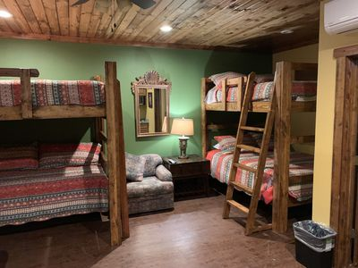 3-Queens and 1-Twin with all  new bedding for 2020 sleeps 7 in each bedroom