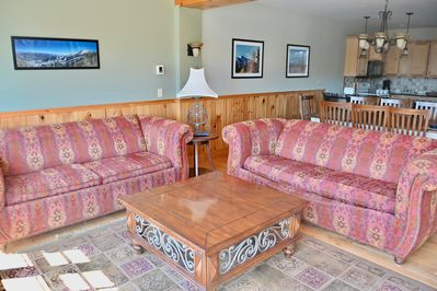 Living room overlooking beaver pond and Sentinel Mountain Range