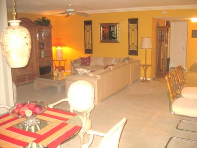 Photo for Extremely clean Delray Racquet Club 2 bedroom condo