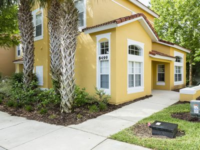Photo for 4 bedroom Townhome, close to to Disney