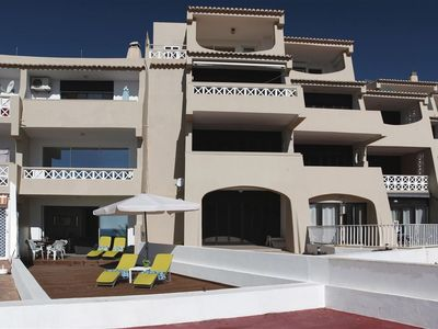 Photo for Fantastic and modern 1 bed aparthotel in Praia dos Aveiros
