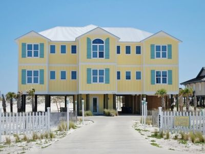 Your own Pool, Huge Living & Dining Elevator Handicap Access Morning Glory