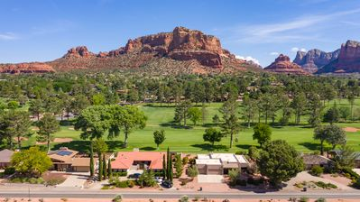 MAJESTIC VIEWS from all rooms on Oak Creek Golf Course..HIKE & BIKE & GOLF