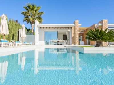 Photo for Spectacular villa perfect for a family or a group of friends