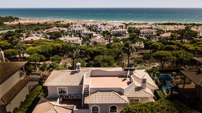 Photo for Superb 5 bedroom Villa with Sea Views in Vale do Lobo