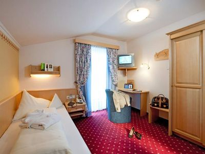 Photo for Comfort Single Room | Balcony 13m² - Angerwirt, vitality and family hotel