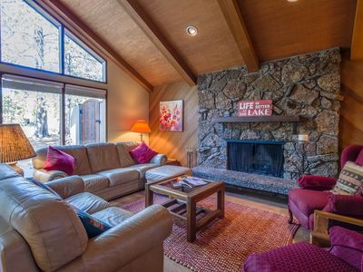 Photo for Charming Home, Walk to Fort Rock Park, Ping Pong, Bikes, Fireplace - REDH06