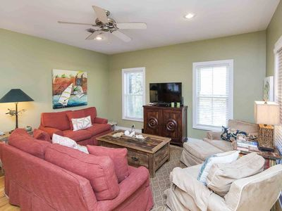 Photo for Terrific Cottage, Screened-in Porch, Beach Access, Free WiFi & More!