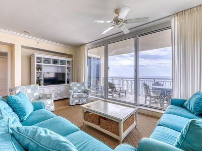 Photo for 14th Floor Condo, Quick Walk To Dining, Spectacular Views, and more!