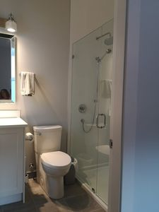 Main bedroom ensuite with shower