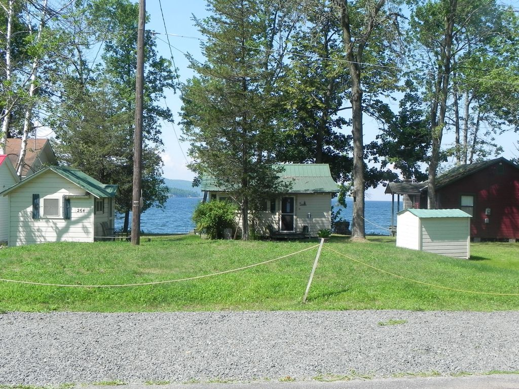 Adorable cottage on lake champlain willsboro lake for Lake champlain cabins and cottages