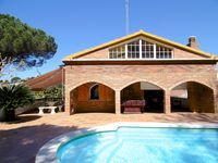 Fantastic, very large well-equipped and lovely villa near fabulous beaches