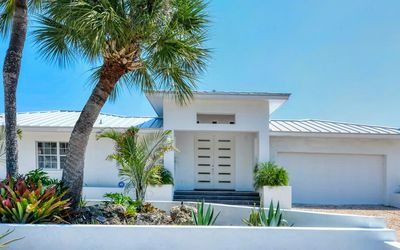 Photo for Beautiful 3 bedroom, 3 bath Private Home on siesta Key