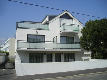 Search 884 holiday rentals