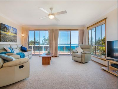 Photo for Pirralillia an absolute waterfront home with spectacular views to Green Island. Sleeps 8.