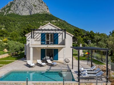 Photo for Cottage on Makarska Riviera, with heated pool and three bedrooms.