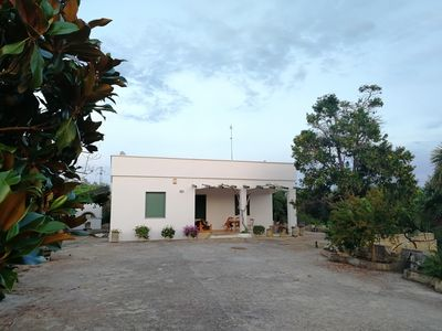 Photo for Villa surrounded by greenery and in the heart of Salento, 2 km from the sea.