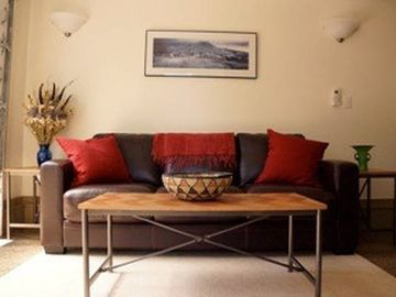 Modern and Convenient 1-BR; Close to Green Lake, UW, Wallingford; FREE PARKING