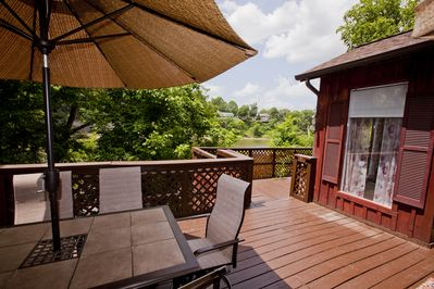 Fine dining on the deck overlooking the Cumberland River