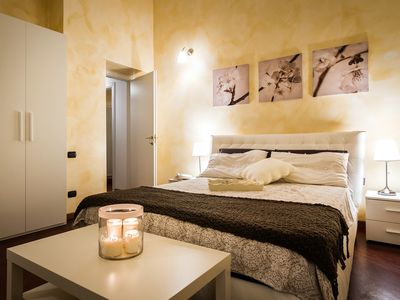Photo for charming apartment on the frist level of  Villa Dante situated in the center of Como.