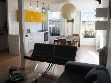 Architect apartment, sunny, cozy and design with rooftop views.