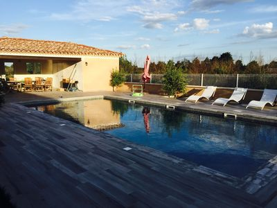 Photo for Luxury Provencal Mazet in the countryside with pool and parking