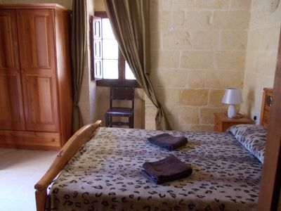 Photo for Double bedroom with private entrance in villa with pool