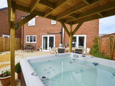Photo for Cosy apartment for 9 people with hot tub, WIFI, TV, pets allowed and parking