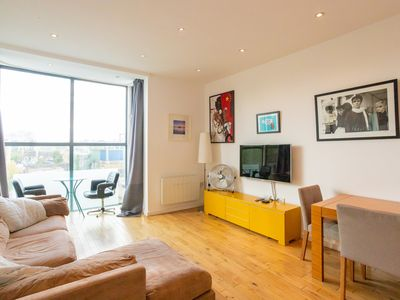 Photo for Modern 1 Bed Flat near Shoreditch & Whitechapel in Bethnal Green - For 2 people
