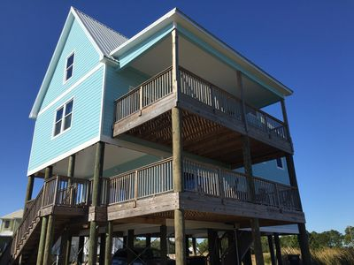 Spacious House Steps away Pool and Beach with access to Pier on Bay!
