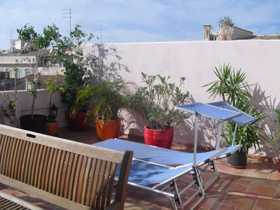 Photo for Ortigia, 5 minutes from the sea and the Duomo, bright casa, large terrace with flowers
