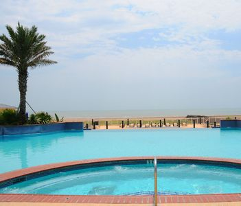 Photo for OCEANFRONT SLEEPS 8, Close to Pool, Great Relaxing Views!