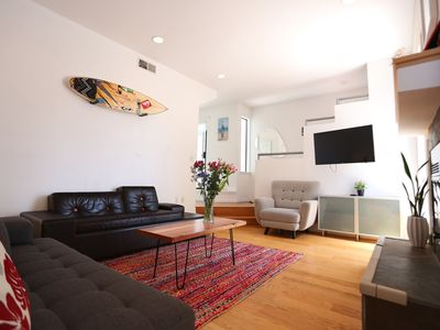 Photo for Modern townhouse 3 blocks from the beach, quiet, steps to fine restaurants