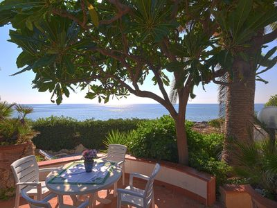 Photo for Nice detached house in a fantastic seafront location. No cleaning fees.