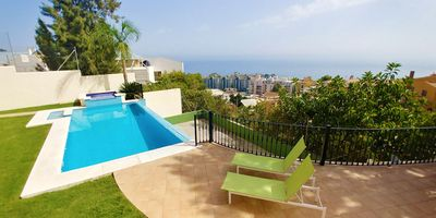 Photo for Apartment with pool and garden in Pedregalejo