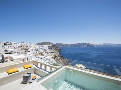 Photo for The 'Top Caldera view' suite with hot tub