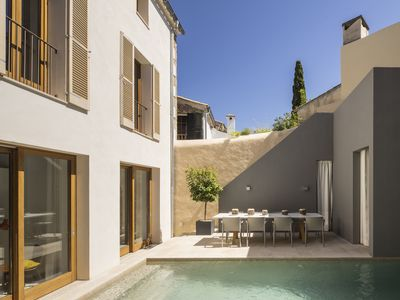 Photo for Fantastic Townhouse in Pollença Old Town, private pool, courtyard and terraces