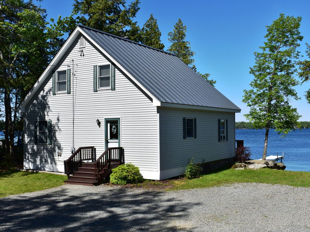 Home On Pushaw Lake Just 15 Minutes From The Bangor