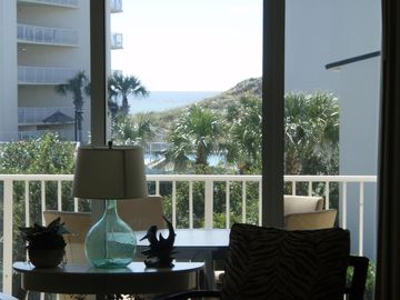 BEACHFRONT PLATINUM  -  - TOP RATED  -  - RECENTLY REDECORATED