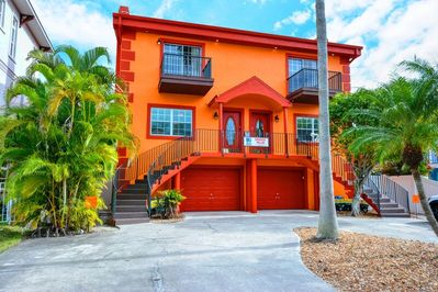Seaside Villas townhouse - located in Siesta Key Village a short walk from Crescent Beach on Siesta Key