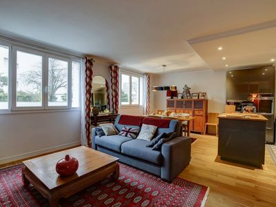 Minutes to the Eiffel Tower - Modern 2BR Flat In the Heart of Paris