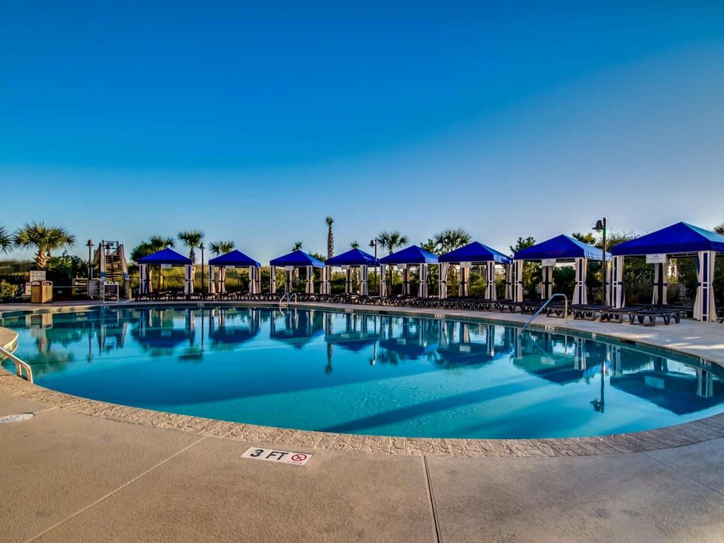 March Discount 2 5 Acre Pool Complex Swim Up Bar Wifi N