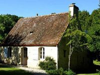 Peaceful and traditional cottage, a must for history, nature, cheese and sun lovers and book readers