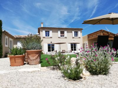 Photo for Provencal villa in the Luberon park with private pool and electric bikes