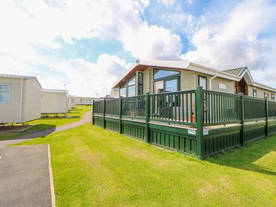 Photo for 37 HORIZON PARK, family friendly in Hartlepool, Ref 1009591