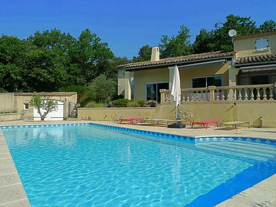 Photo for Provençal villa for rent, large swimming pool, in a perched village