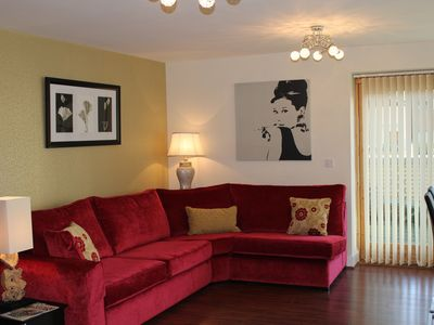 Photo for Easy To City And Golf, Sleeps 6. Free Parking And Wifi. Park Side Location.